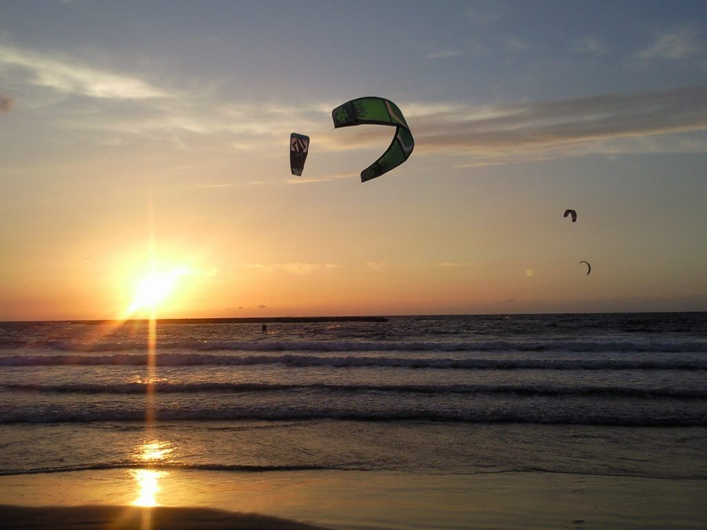Kiting in the sea